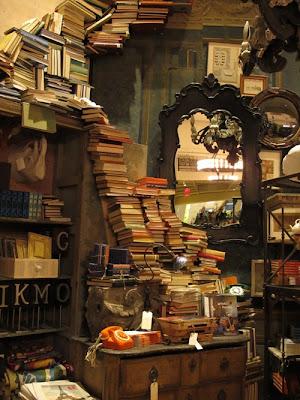 Habitación repleta de libros