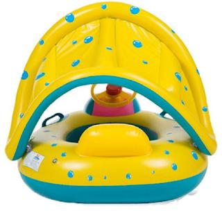 Une bouée pour bébé équipée d'une protection solaire