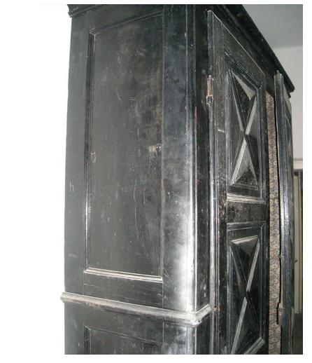 Tra sogni e bisogni mobili antichi armadio piemontese for Mobili neri