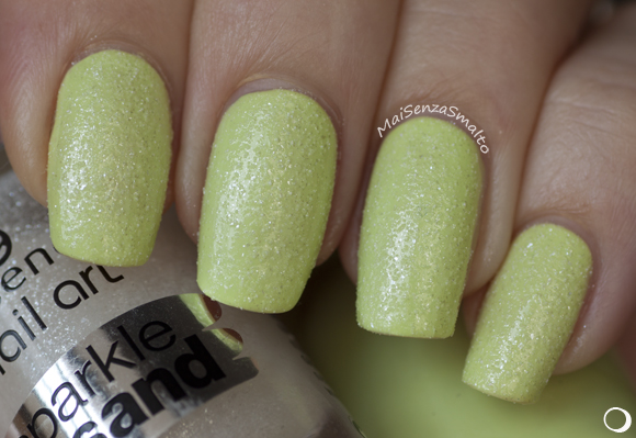 Essence Nail Art Sparkle Sand top coat - 24 I feel gritty! on Maybelline 244