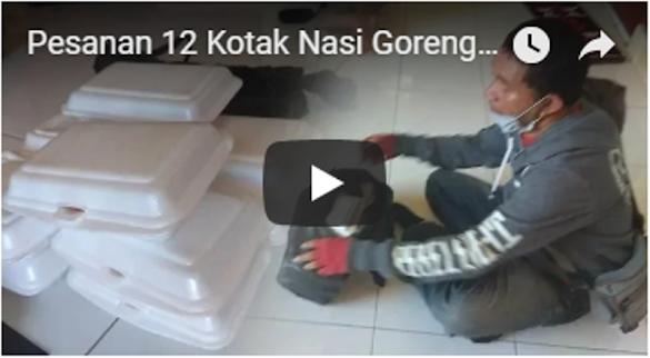 Pesanan 12 Kotak Nasi Goreng Dicancel Konsumen, Driver Ojol Membagikannya ke Jemaah Masjid
