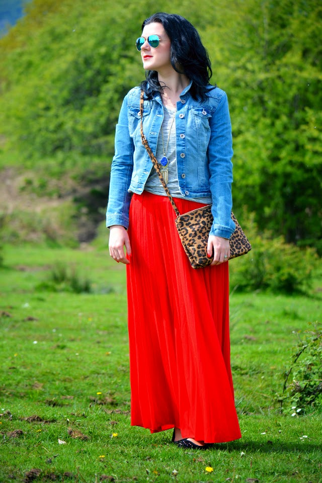 2ba126ce2e Maxi Skirts and Messy Hair - Rachel the Hat