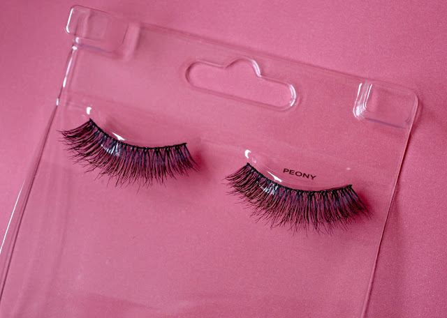 Kiss Blooming Lashes Peony