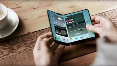 Ponsel layar lipat dari Samsung merupakan salah satu gadget paling ditunggu. Tapi informasi teranyar menyebut peluncurannya ditunda sampai tahun depan.