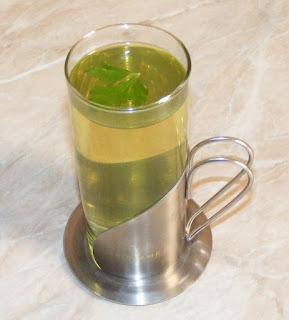 ceai de slabit, retete, ceai de patrunjel preparare, sanatate, ceai de patrunjel pentru slabit, dieta cu ceai de patrunjel, cura cu patrunjel, dieta cu patrunjel, diete, cure, regim, leacuri babesti, retete naturiste, ceaiuri, ceai, ceai de patrunjel verde,