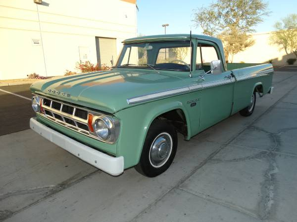 1968 Dodge D100 Pick Up Truck