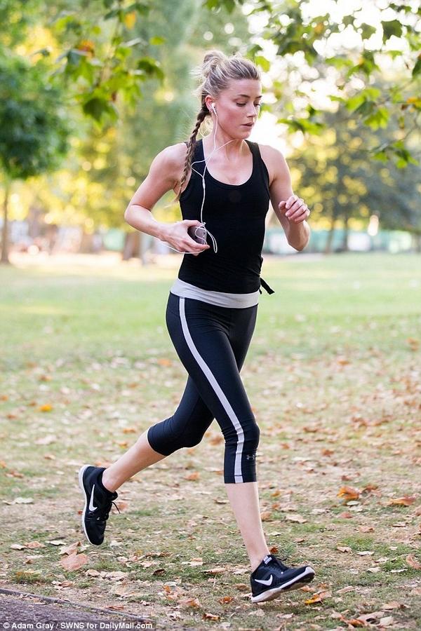 Amber Heard running