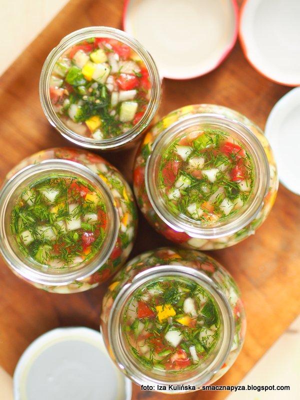 sloiki z kiszonka, kiszone warzywa, kiszonka wielowarzywna, sos kiszony warzywny, kiszonki sa zdrowe, kiszenie jest proste, przetwory kiszone