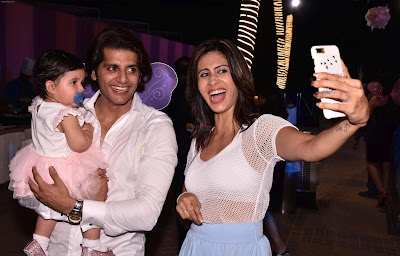 Kishwar-Merchant-at-Karanvir-Bohra-Teejay-Sidhu-Celebrated-Their-Kids-1st-Birthday