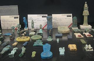 Quelques amulettes conservées au Louvre