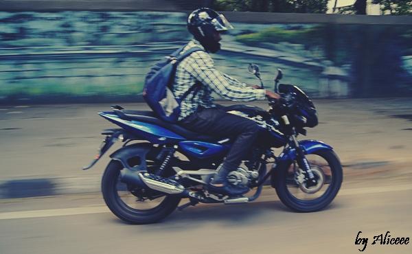 Motociclist-India-Bangalore