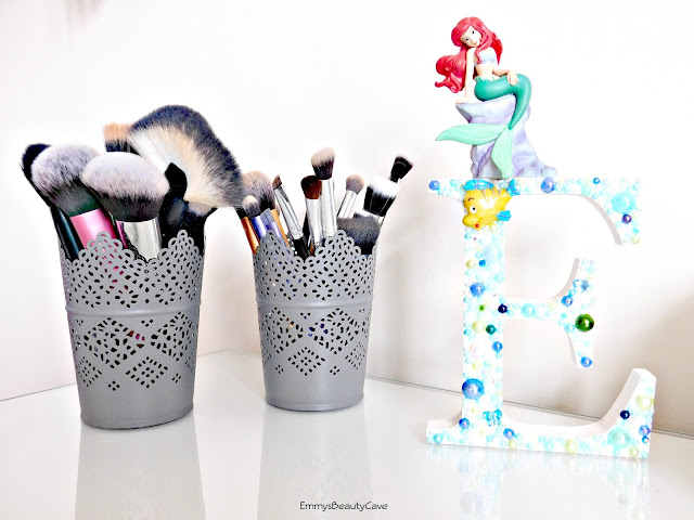 makeup brush holders, makeup brush storage