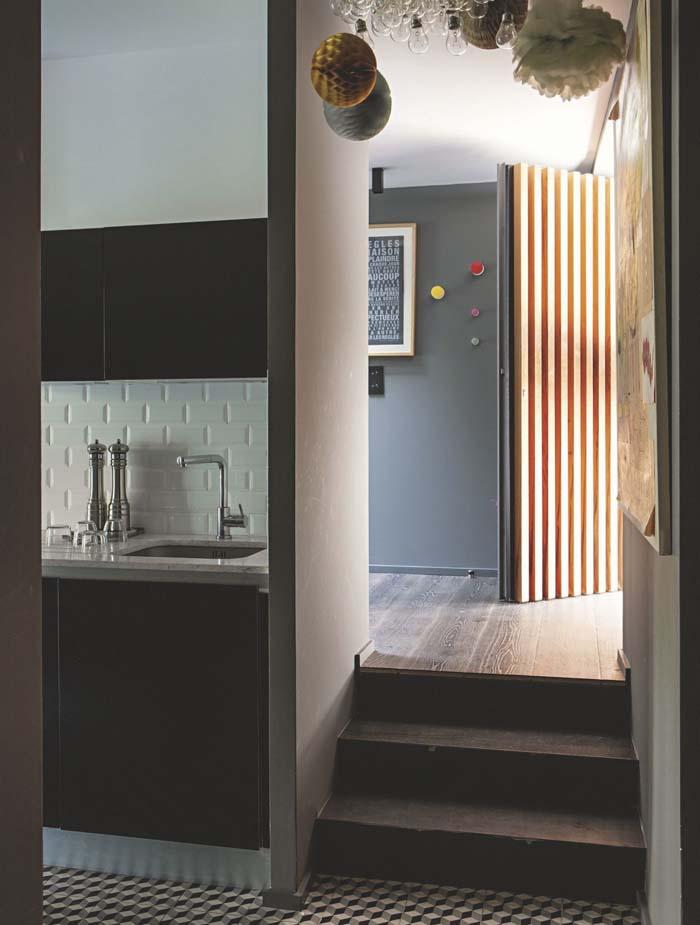 keltainen talo rannalla tummia s vyj modernia ja rustiikkia. Black Bedroom Furniture Sets. Home Design Ideas