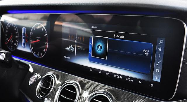 Mercedes E300 AMG 2018 sử dụng Hệ thống giải trí hàng đầu của Mercedes