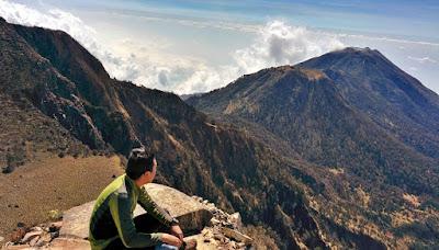 alasan dan manfaat mendaki gunung