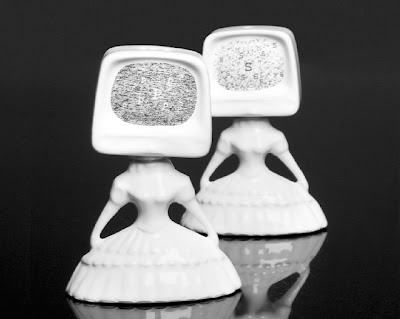Cool Salt and Pepper Shakers (20) 14