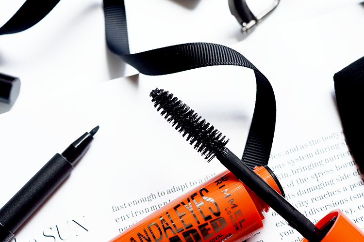 rimmel-scandaleyes-reloaded-mascara-brush-review