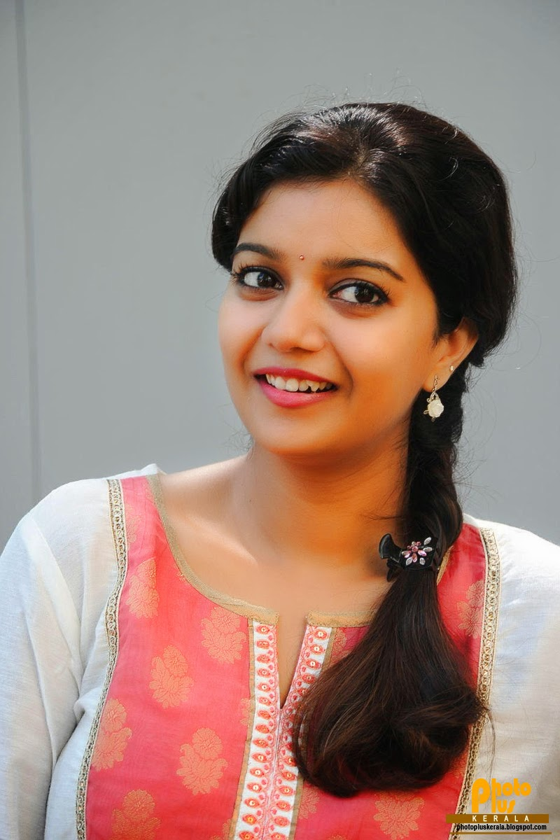 Swathi malayalam actress new photos online free stills of malayalam