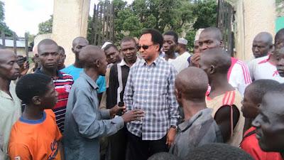 Photos Of Senator Shehu Sani Interacting With His Constituents In Kaduna State.