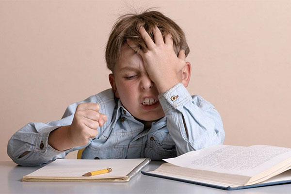 Con không tập trung khi học - cha mẹ làm thế nào?