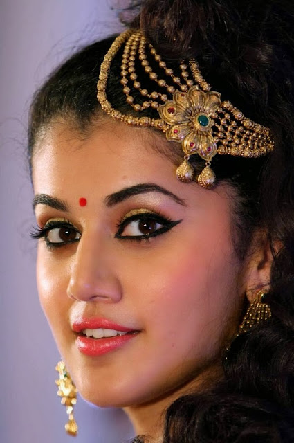 download taapsee pannu photos
