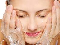 10 Cara Merawat Wajah dengan Baik Supaya Terlihat Segar Sepanjang Hari