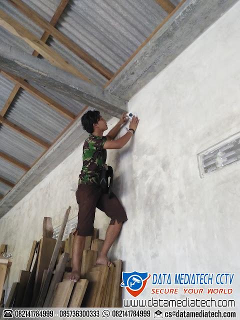 Jasa Pemasangan CCTV Pabrik dan Perumahan | Tukang Pasang Kamera Pengawas CCTV