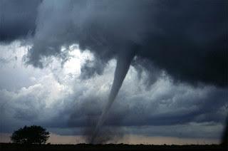 Tornado-Poeira