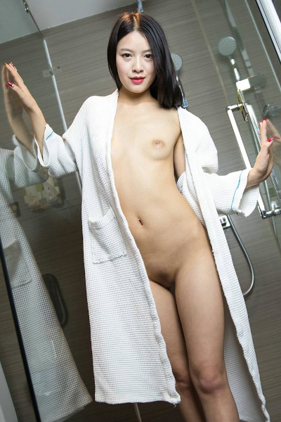 Model Girl Zuo-Xii 秀人模特-左熙 浴室調情私拍騷氣沖天福利圖