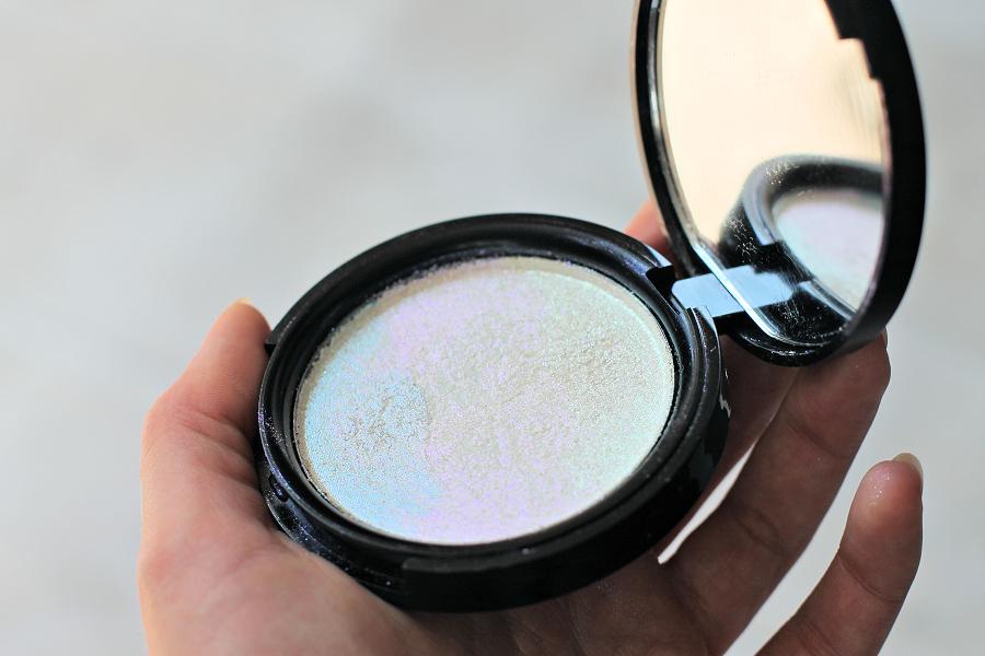 Phee's Makeup Shop Trance Unicorn Highlighter