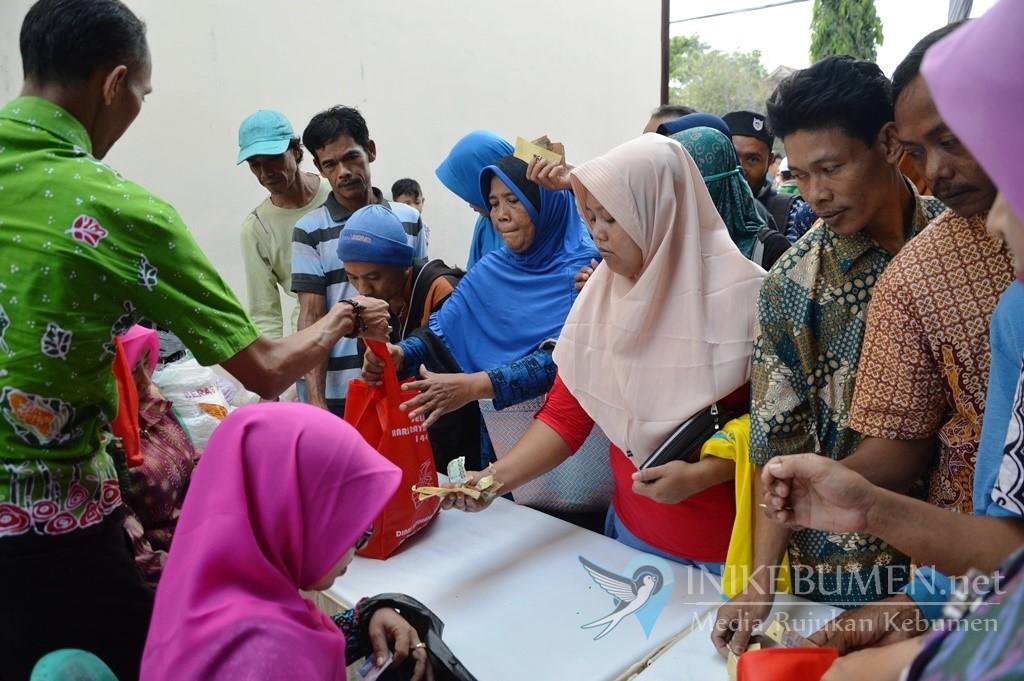 Pasar Murah di Kebumen Jual Paket Sembako Rp 15.000