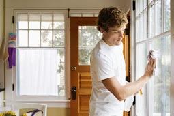 Cara Membersihkan Kaca Jendela dan Cermin Sampai Kinclong