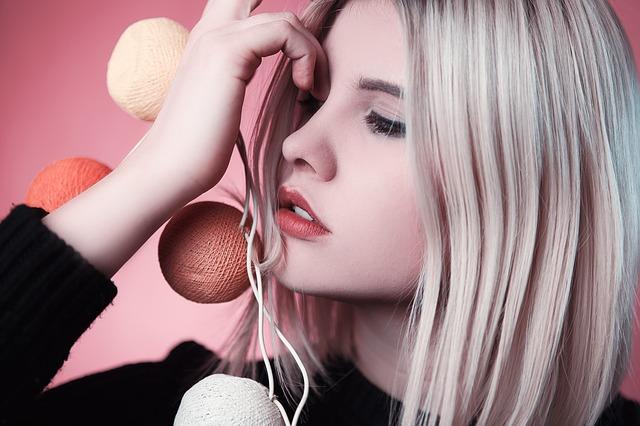 trucos de belleza para eliminar el cabello graso