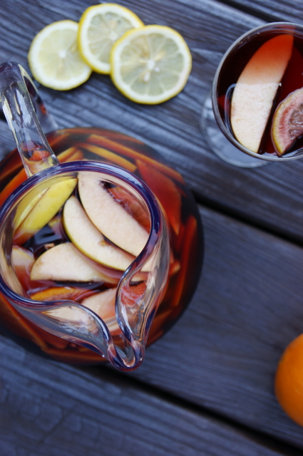 40+ Food & Drink Recipes for Cinco de Mayo Fun - Sangria Image