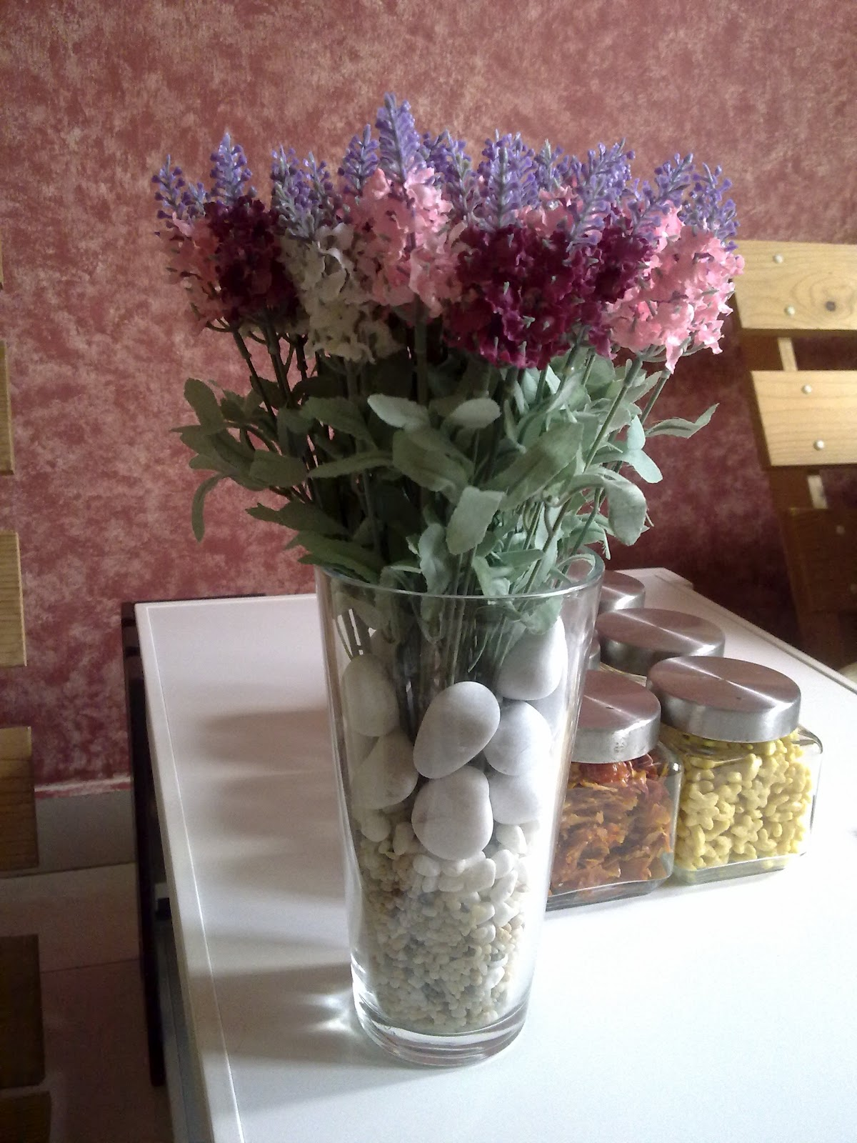 Saya Gabungkan Lavender Dari 3 Warna Dark Pink Soft White Di Letn Dalam Pasu Jernih Dan Dalamnya Batu Putih 2 Saiz Berbeza