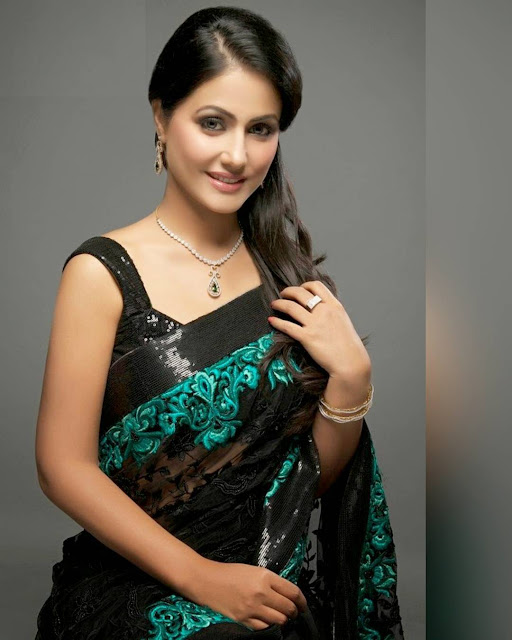hina khan looks hot in saree photo