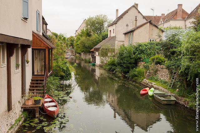 Chartres río viaje turismo cerca Paris diario Francia