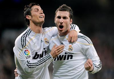 Higuain trở thành kép phụ từ khi Ronaldo đến Real