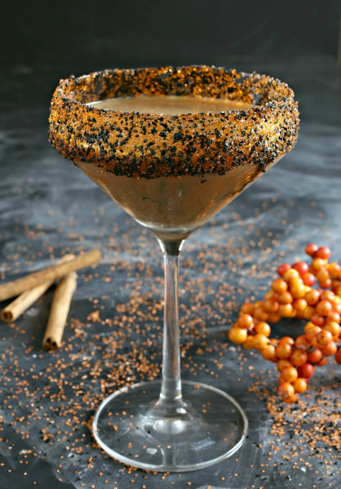 Bourbon cocktail flavored with pumpkin, chocolate and cinnamon.