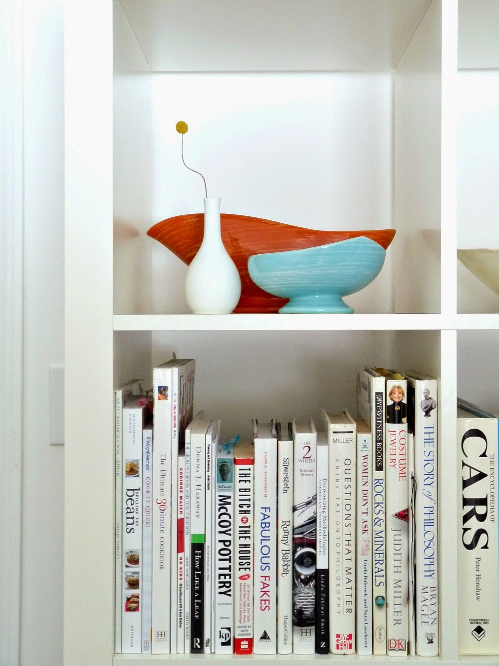 Hide Clutter with this Easy IKEA Hack for Expedit Bookcases - Version 2.0 #ikeahack #ikea #expedit #diyhomedecor