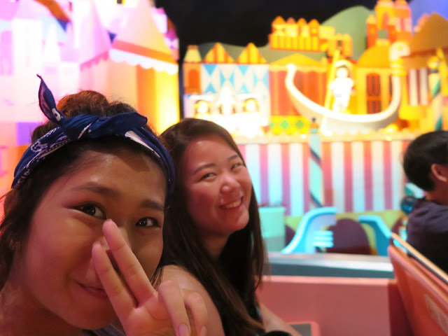 hong kong disneyland ; small small world ride welfie