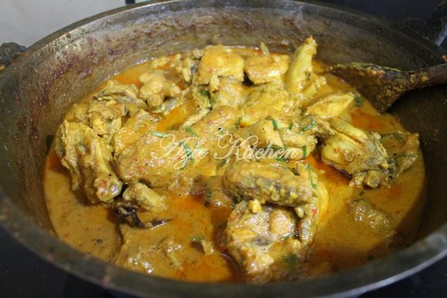Rendang Ayam Azie Kitchen