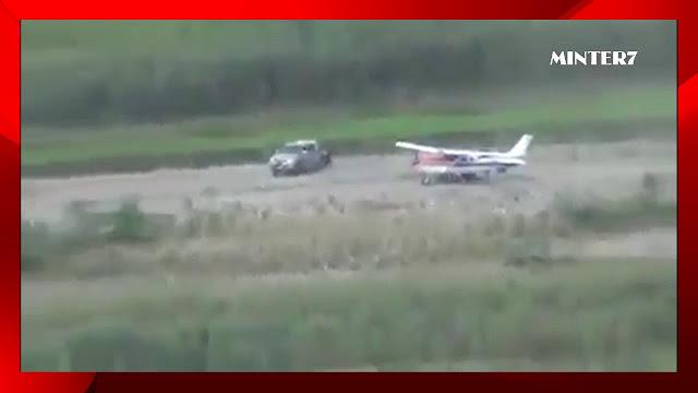 VIDEO; En tan solo 2 minutos y en medio de balacera narcos aterrizan avioneta la cargan con droga y despegan