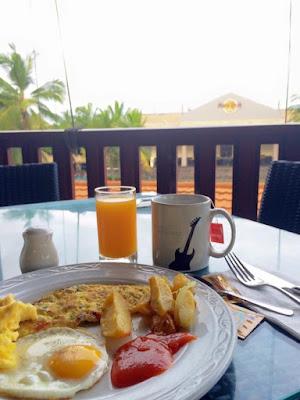 sarapan di Hardrock hotel bali