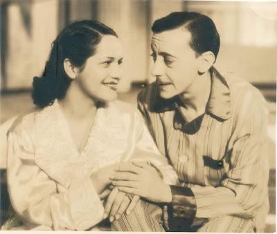 Os atores Ana de Alencar e Olympio Bastos, conhecido como Mesquitinha, em cena - Divulgação