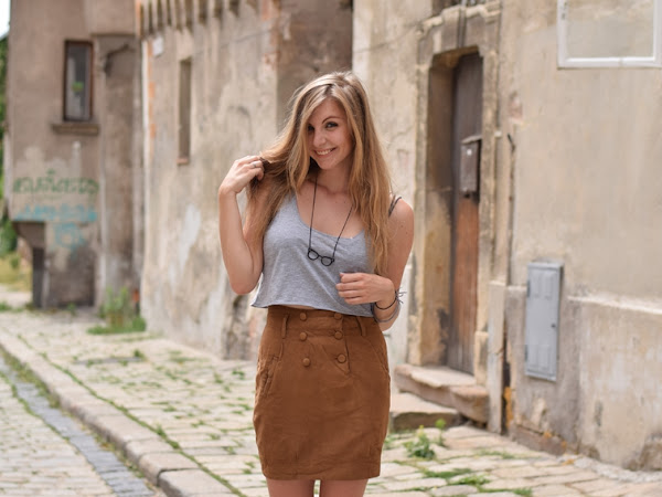 |OUTFIT| Camel skirt