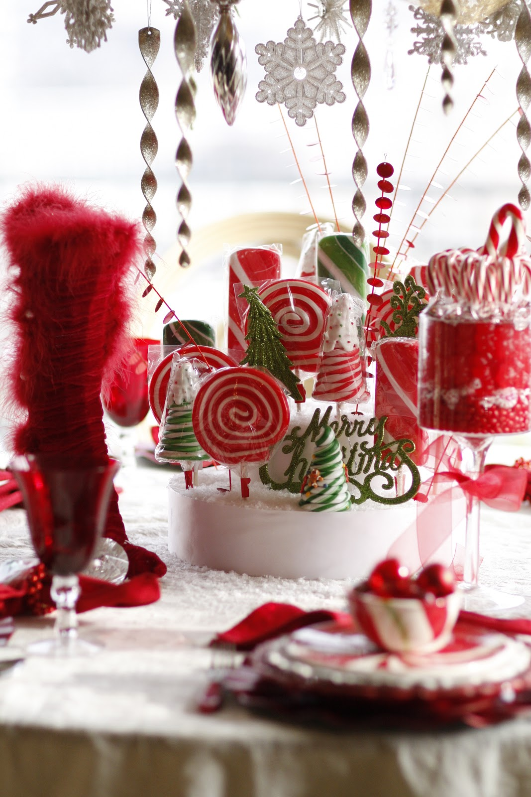 Mrs Claus Candy Table Purple Chocolat Home