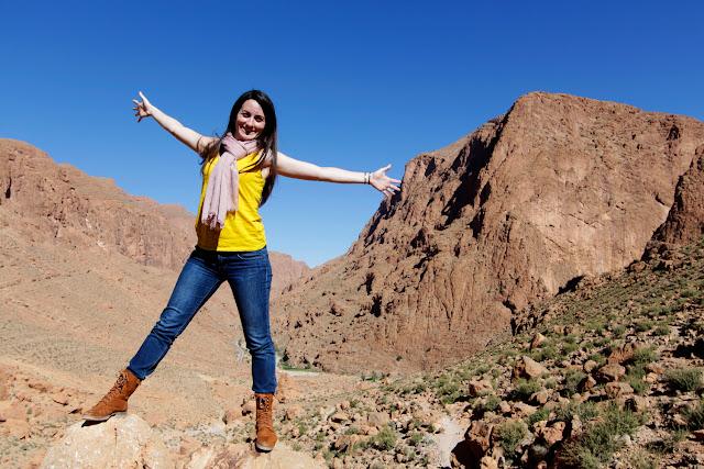 Lena en el trekking de las gargantas del Todra