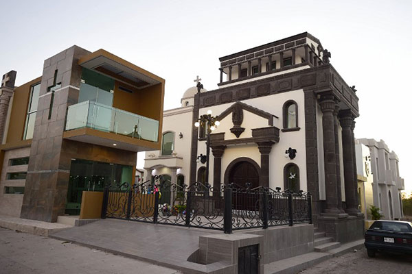 Tumbas con aire acondicionado y vidrios blindados para narcos en México