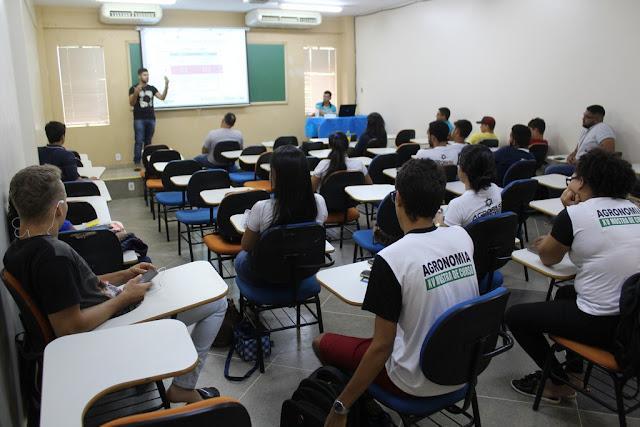 Estudantes de Agronomia da FASB realizam semana de palestras 'Agro +'